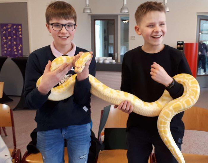 Leerlingen de Nieuwe Thermen in touw voor Wensulance en Dierenambulance